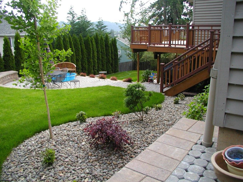fine-looking-patio-landscping-ideas-with-curved-lawn-part-of-1024x768